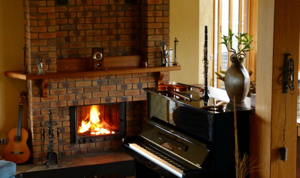 Original__9592948_Dl76_Cosy_Fireplace__Lodge_M8Tthhf