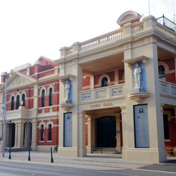 St-Arnaud-Town-Hall1