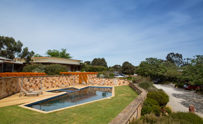 Royal-Mail-Hotel-Pool-And-Surrounds
